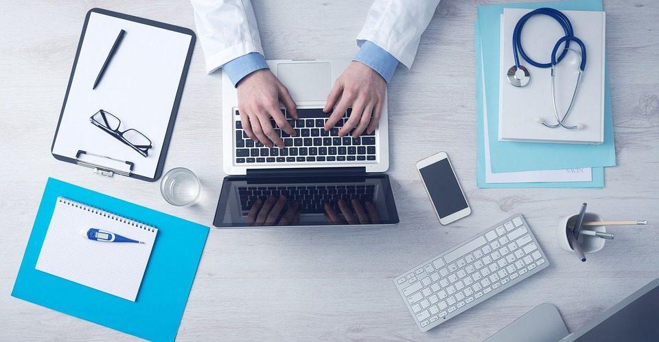 Covid 19 : les équipements de téléconsultation pour les professionnels de santé