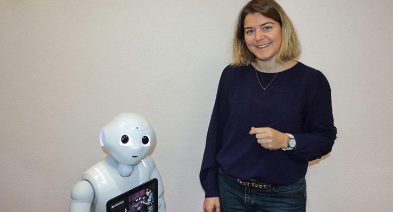 Autonomie : le robot Pepper facilite le retour à domicile de nos ainés