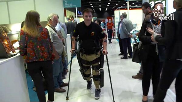 Paraplégie : remarcher grâce à l'exosquelette ReWalk