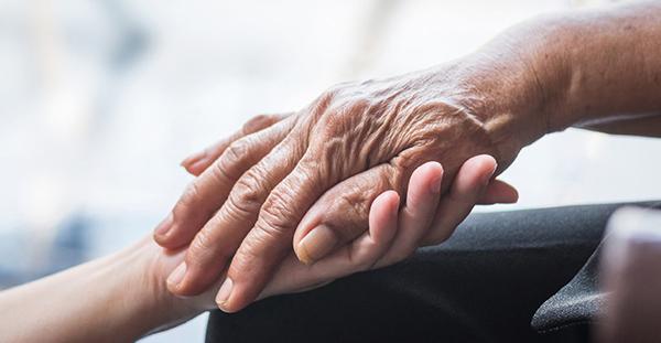 La CNSA lance un appel à projets pour l'accompagnement à domicile des personnes âgées et handicapées
