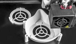 Covid-19 : des imprimantes 3D pour fabriquer en urgence du matériel hospitalier
