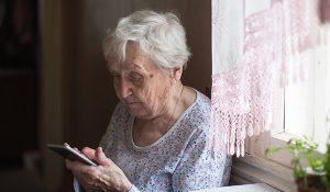 Près de 800 smartphones et tablettes mis à disposition des établissements médico-sociaux du Grand Est